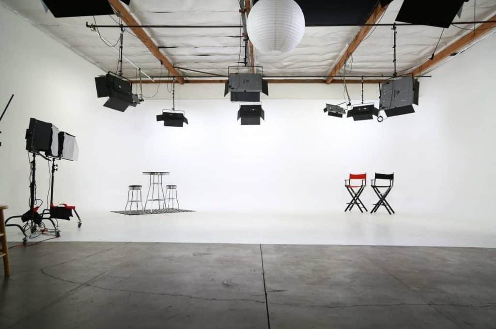 fully lit film and photo studio los angeles
