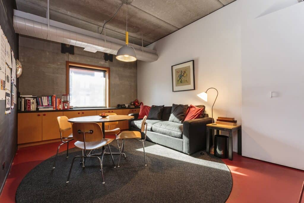 Cozy Conference Room in Wicker Park chicago rental