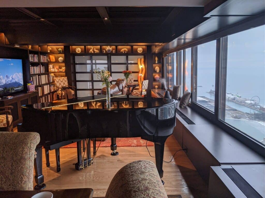 Downtown Condo with Skyline View and Piano chicago rental