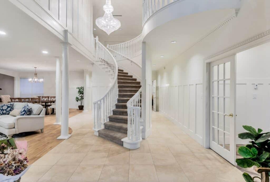 Elegant Château vancouver rental