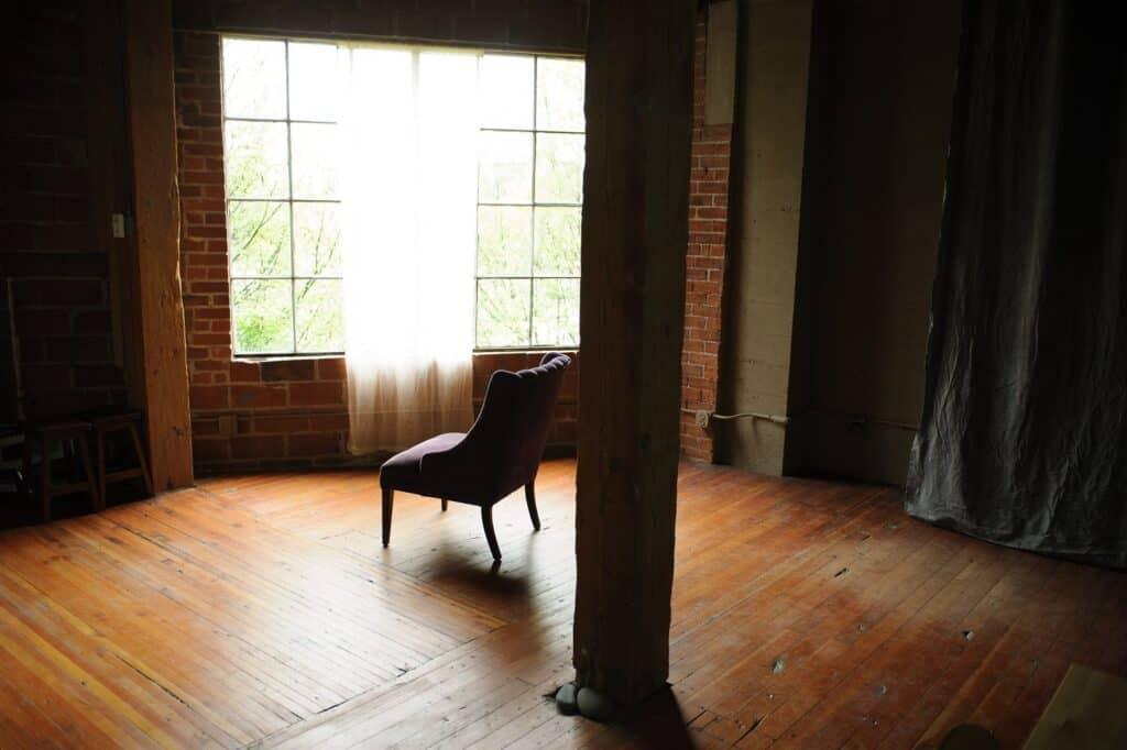Lovely Natural Light Studio seattle rental