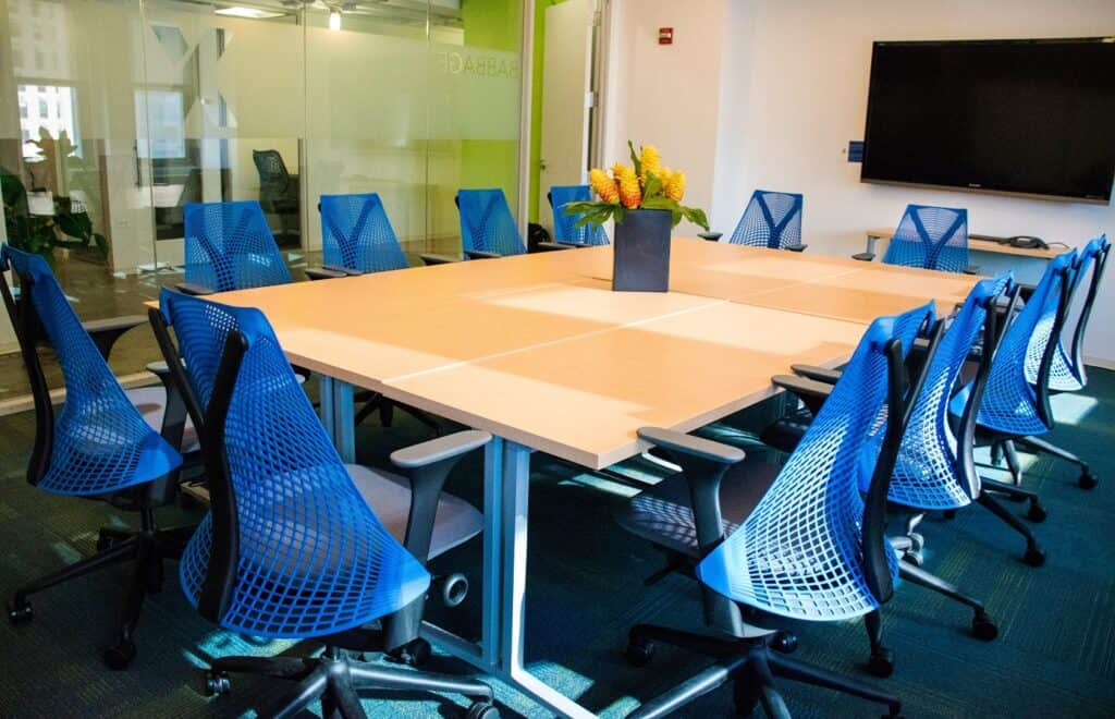 Modern, Collaborative, Zoom Equipped Workspace chicago rental