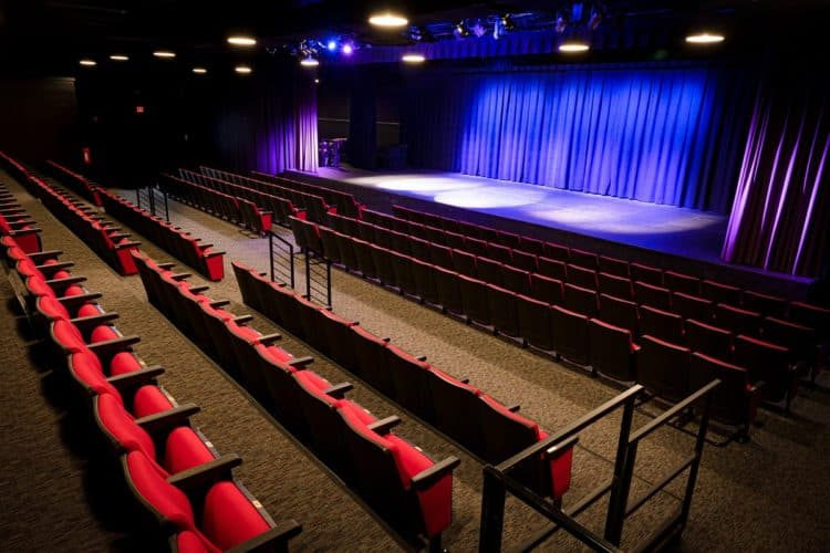 How Much Does It Cost to Rent a Stage? | Peerspace