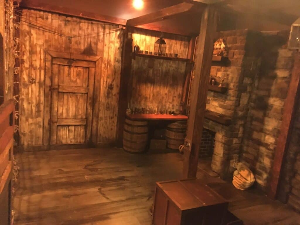 The Pirate Dungeon - Unique Photoshoot Location in Wicker Park chicago rental