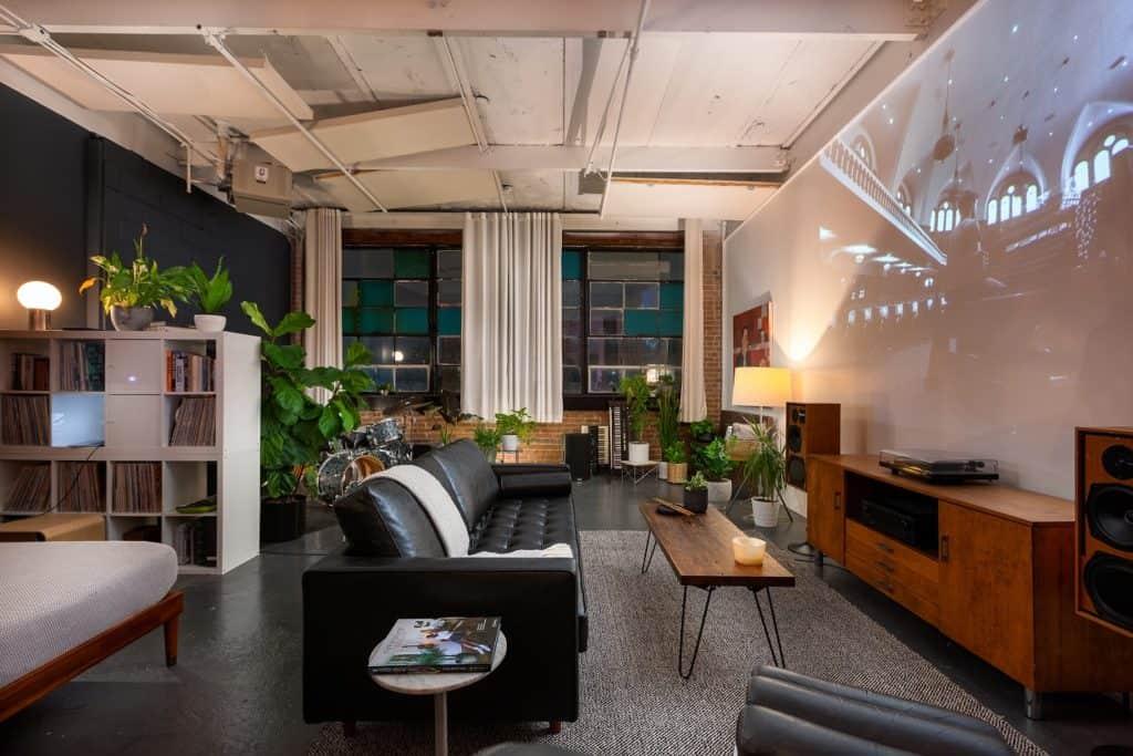 Urban Historic Arts Building Loft chicago rental
