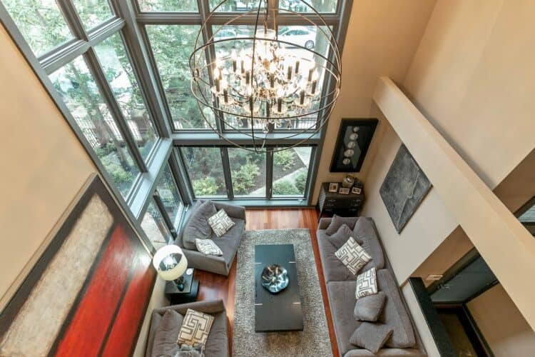 Here's Where to Rent a Mansion in Chicago | Peerspace