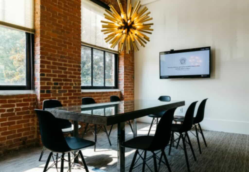 elegant and rustic meeting space in atlanta