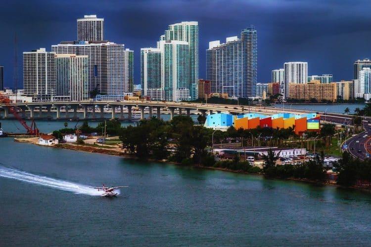 9 Cool Retreat Activities in Miami to Bond Your Team | Peerspace