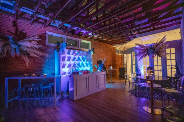 13 Special Virtual New Year's Eve Party Ideas | Peerspace