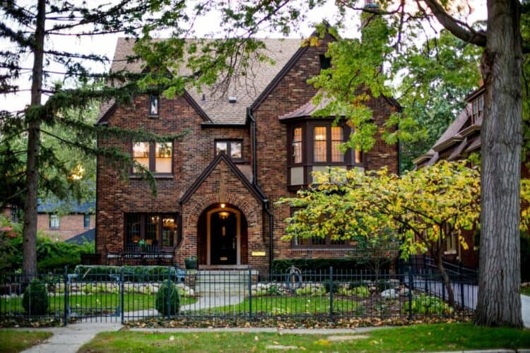 Here's Where To Rent A Mansion in Detroit | Peerspace