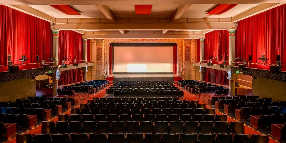 How Much Does It Cost to Rent a Movie Theater Room? | Peerspace