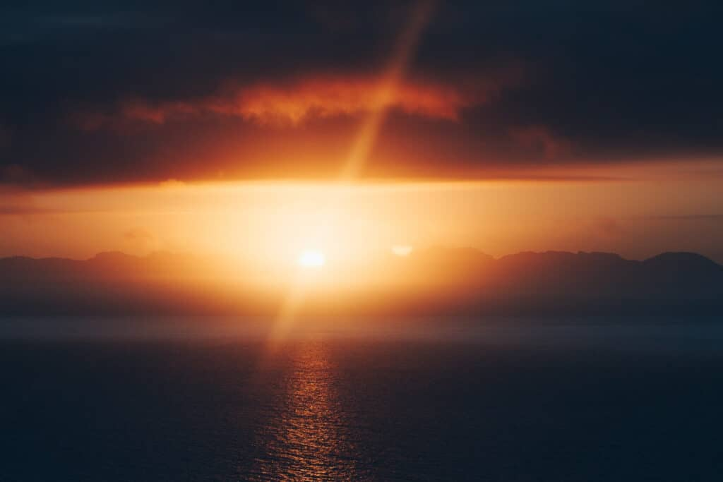 lens flare over the ocean