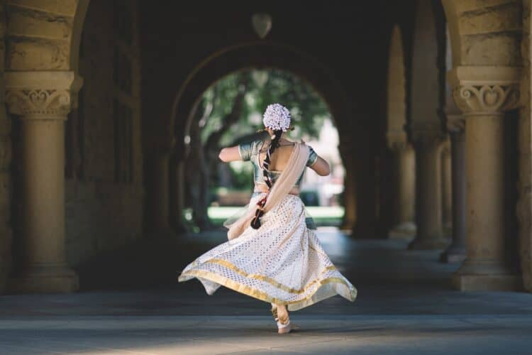 Dance Photography: What to Know & How to Nail It | Peerspace