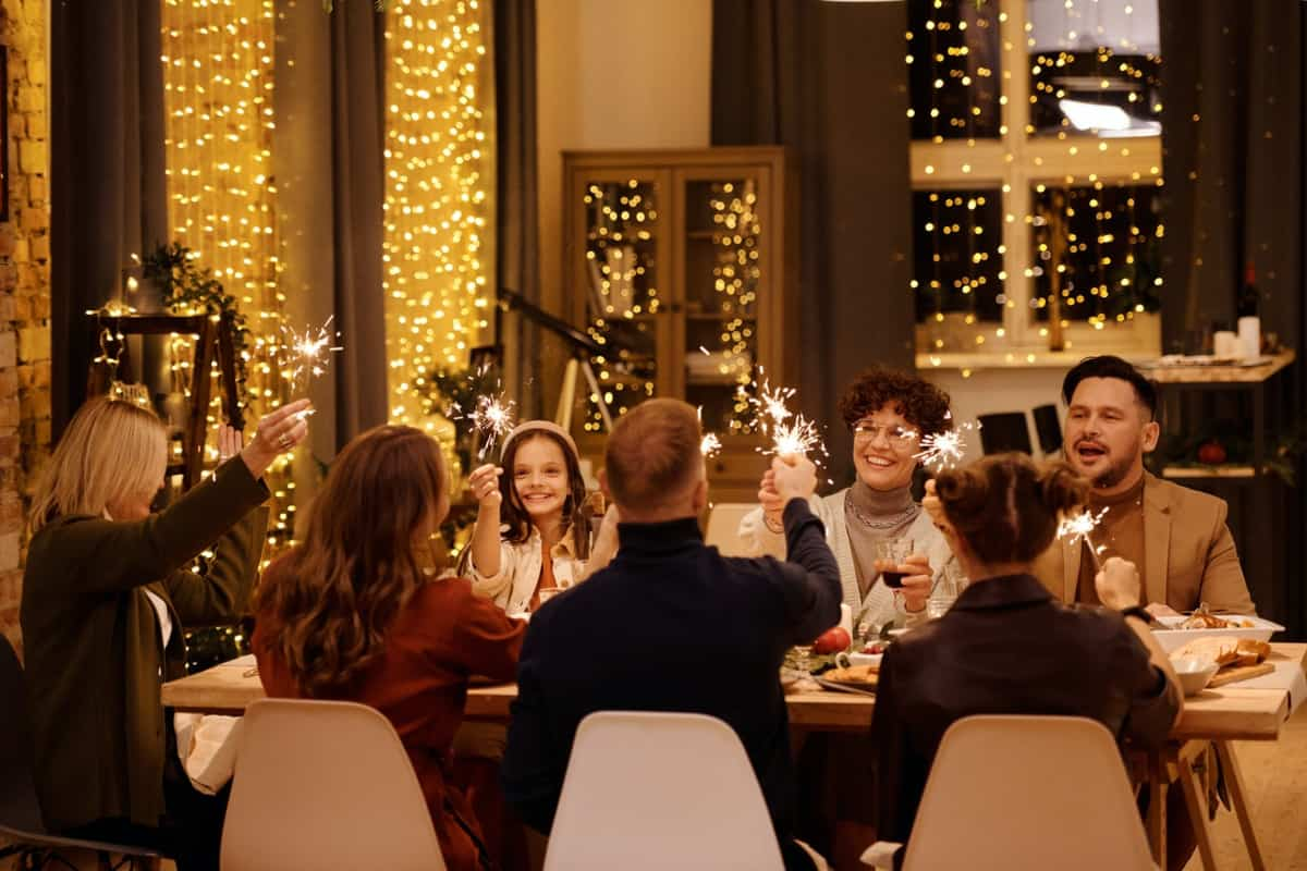 13 Festive Virtual Holiday Party Ideas | Peerspace
