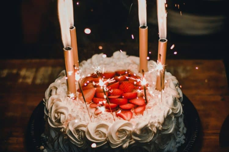 8 Special 70th Birthday Party Ideas | Peerspace