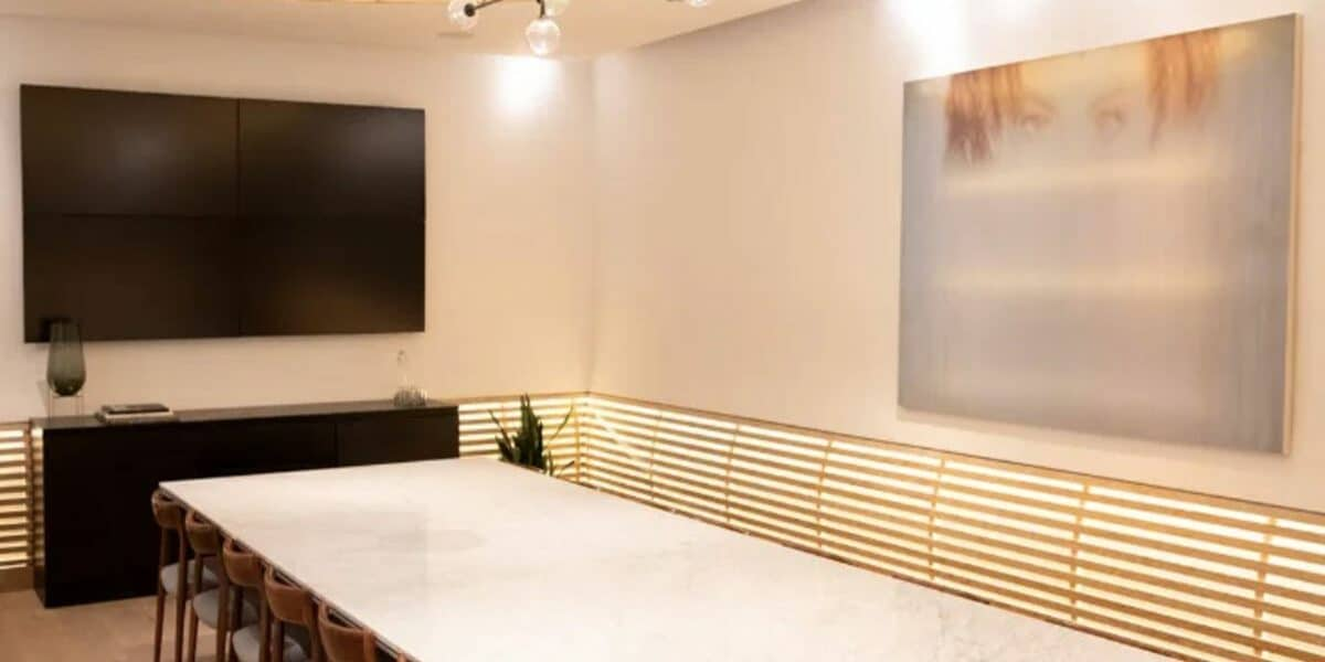 ultra lux boardroom