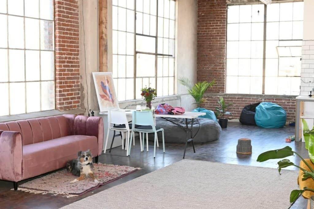 homey, charming studio in Los Angeles