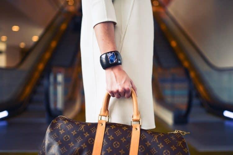 4 Luxury Brands with Beautiful Video Ads   Peerspace