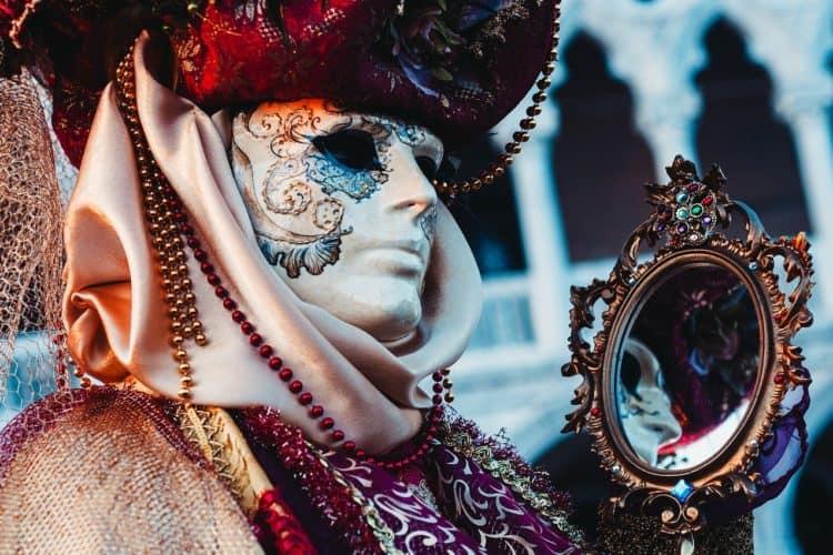 The 5 Best Costume Rental Companies in Atlanta | Peerspace