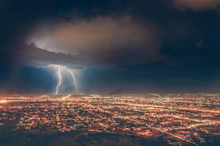 How to Photograph Lightning | Peerspace