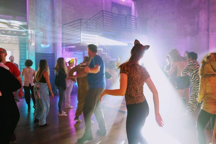 8 Great Dance Party Ideas for Your Next Gathering | Peerspace