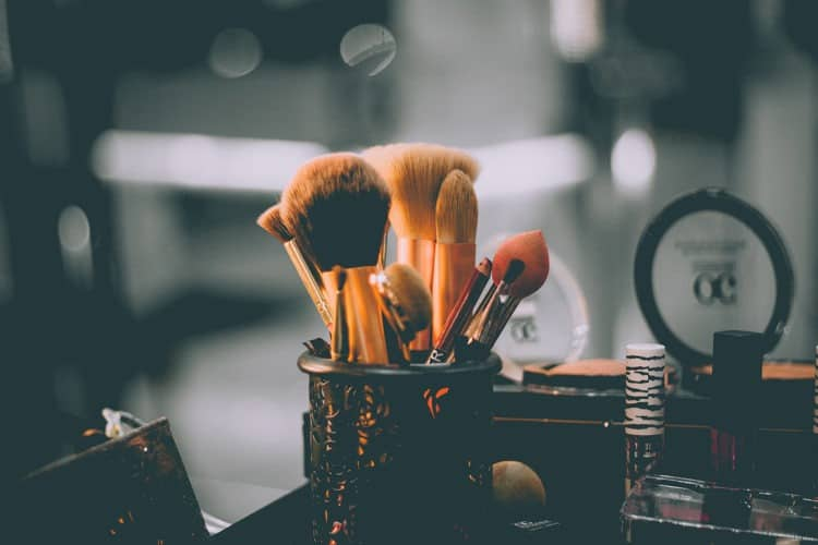 Our 8 Favorite Makeup Artists in Dallas for 2020 | Peerspace