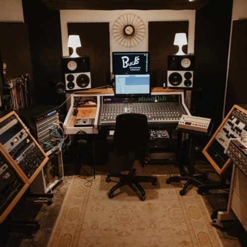 How Much Does It Cost to Rent a Recording Studio? | Peerspace