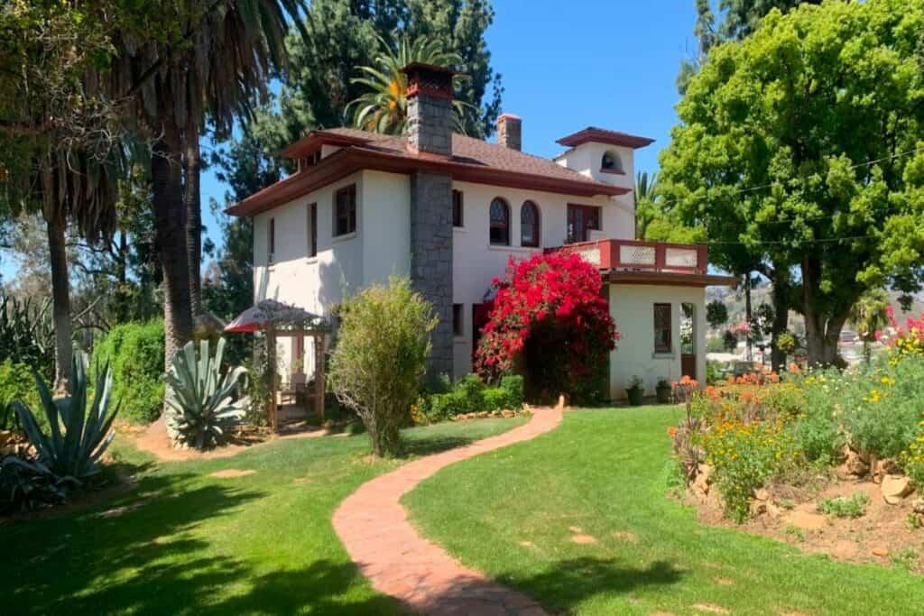 beautiful mediterranean style mansion