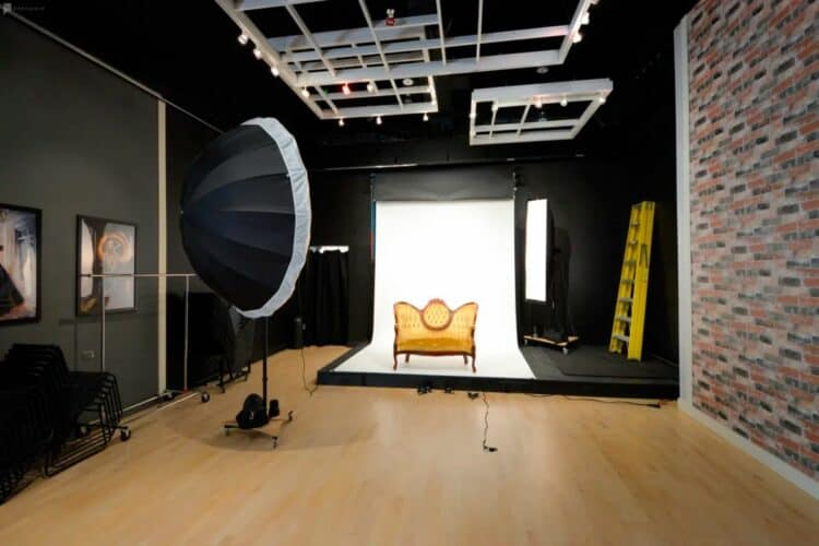 Commercial Photography Pricing: What To Know | Peerspace