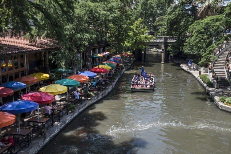 10 Awesome Team Outing Ideas in San Antonio | Peerspace